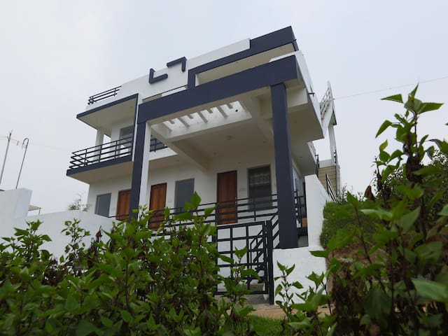 Hillview 1BHK OYO Home in Ooty - Sale Alert ⚠