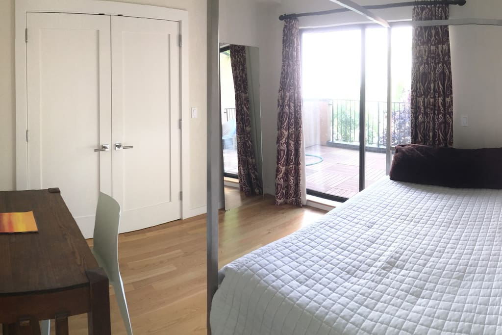 Level 2: Bedroom with en-suite deck.