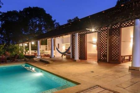 KIRANPANI Designer home in Goa Architecture nature - Savarjuva
