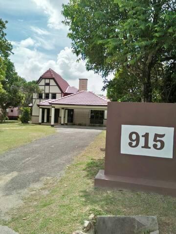 Villa 915