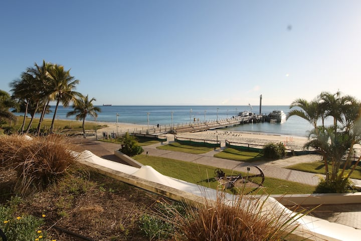 Tangalooma Beach Front Apartment Deep Blue 2