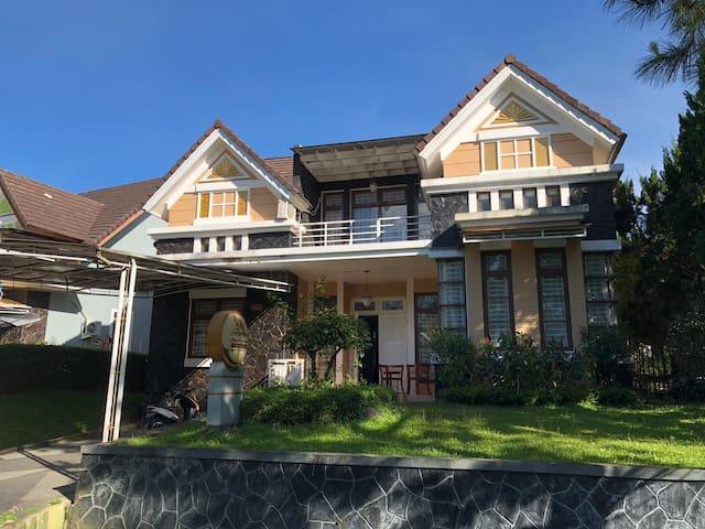Eton Asia Kota Bunga 4 bed rooms River View -FA1-5