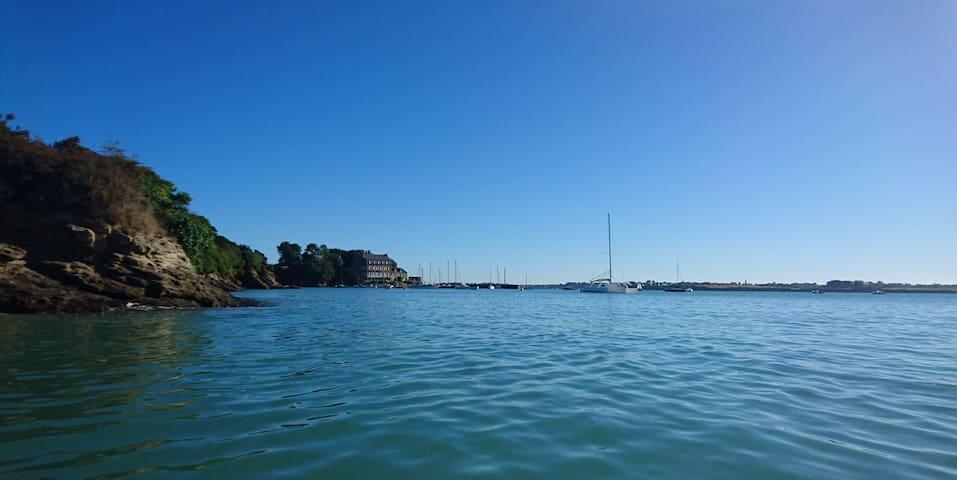 Presqu'île bretonne : bord de mer,  jardin détente