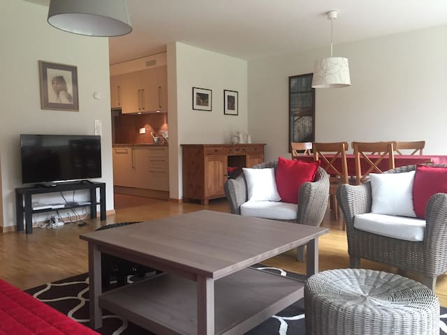 Large 1BR Furnished Apt - Terrace & Garden