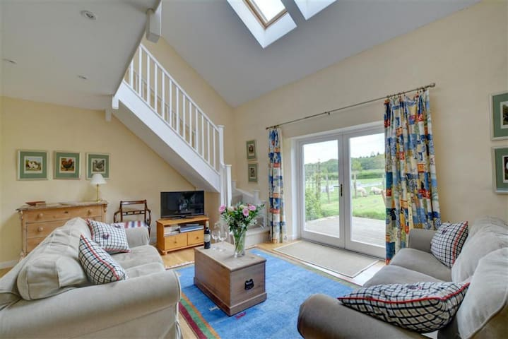 Clay Cottage Sleeps 6, Elmfield Farm, Canterbury
