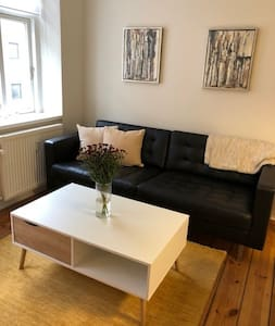 Charming flat ideal for one person or couple!