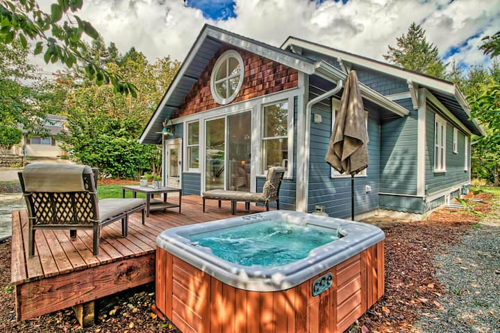 Oly's Westside Story: 5 bdrm, 2 bath, HOT TUB, BBQ
