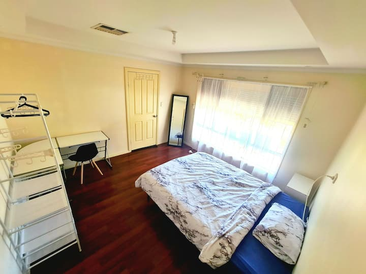 Spacious room for single or couple with queen bed