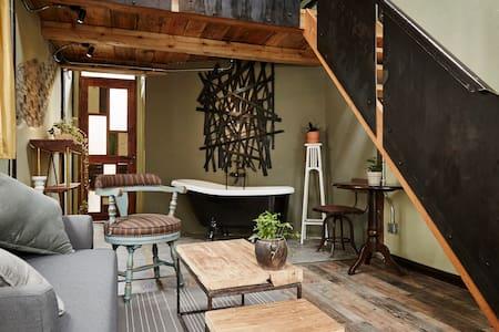 designer's cozy loft in Zhujiajiao ancient town - Şangay - Ev
