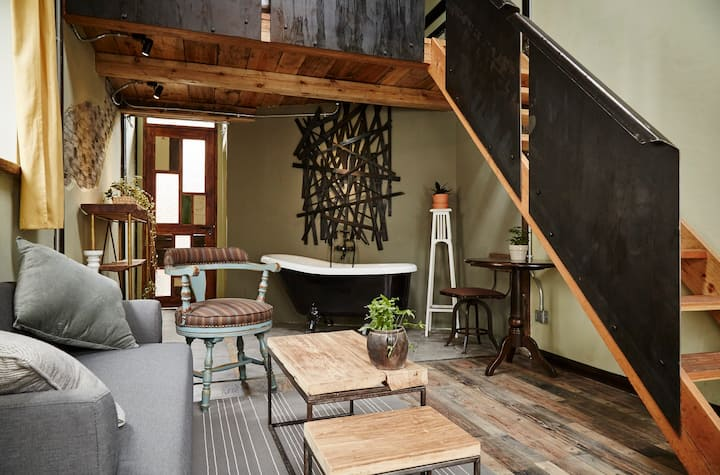 designer's cozy loft in Zhujiajiao ancient town