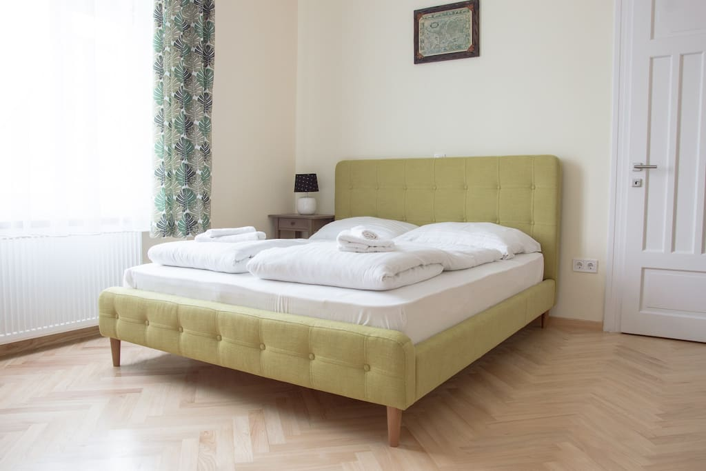 Queen (160*200) size double bed