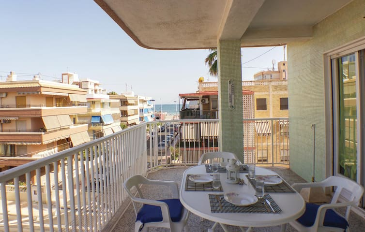 Holiday apartment with 2 bedrooms on 65m² in Santa Pola