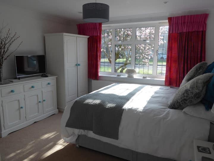 Splendid En-Suite Private Room - Beaconsfield