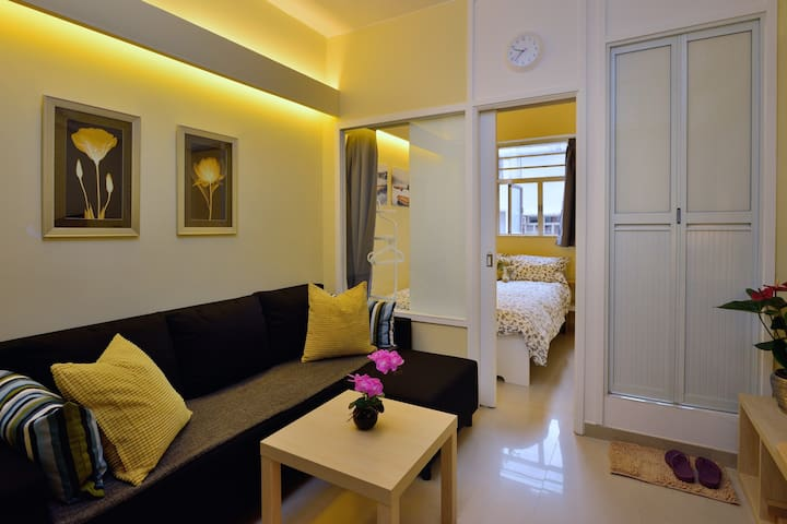 Best location 1BR Apt in HK - Shops & Sights