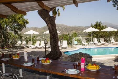 Kefali Village, Stunning Views & Pool! - Atsipades - Villa