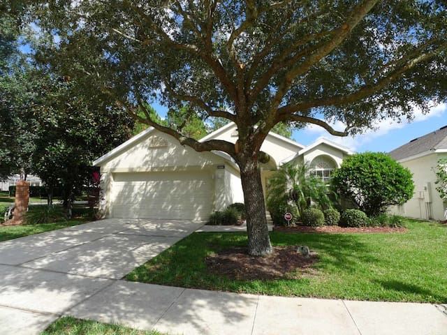 Highlands Reserve 3/2 pool home property, fully furnished, with full kitchen, and all linens and towels. - DAVENPORT - House