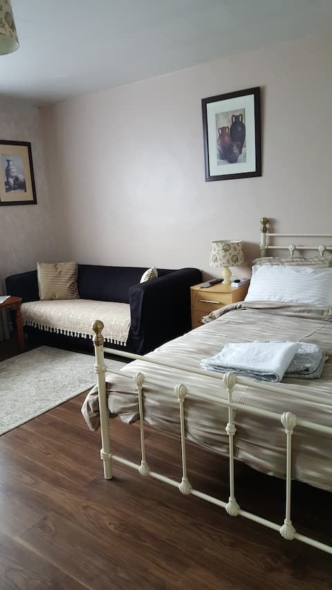 Spacious double room with en suite