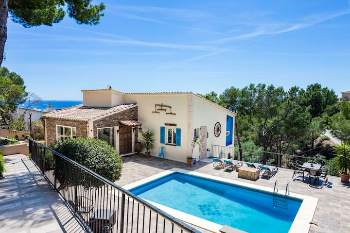 Villa in Costa D'en Blanes with Sea view and Pool