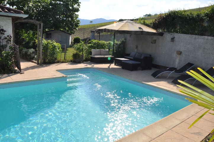 Appart avec jardin/piscine, au cœur des vignes****