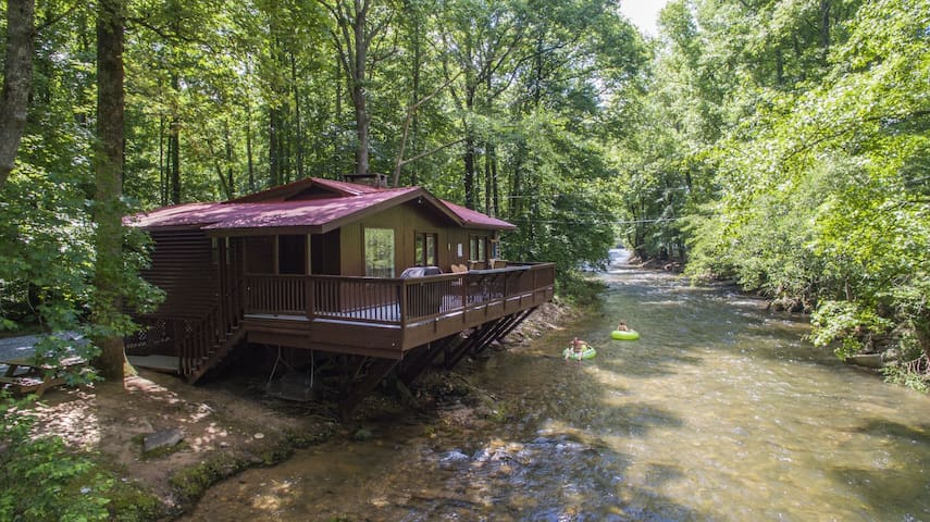 River`s Edge - Ultimate riverfront cabin in Alpine Helen