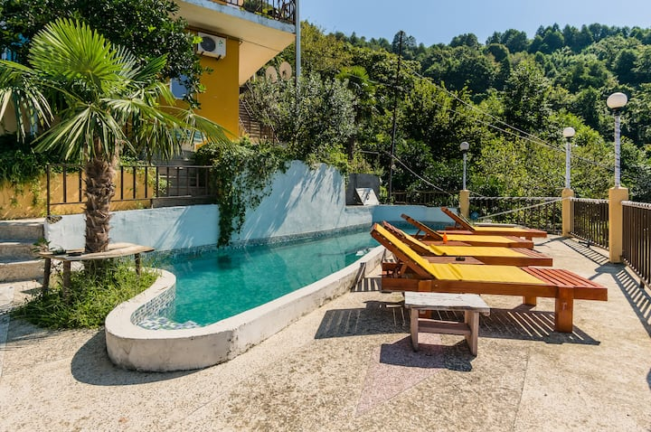 Hotel Villa Gonio - with Pool!