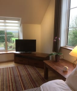 Spacious double studio-room with views. Holton. - Somerset