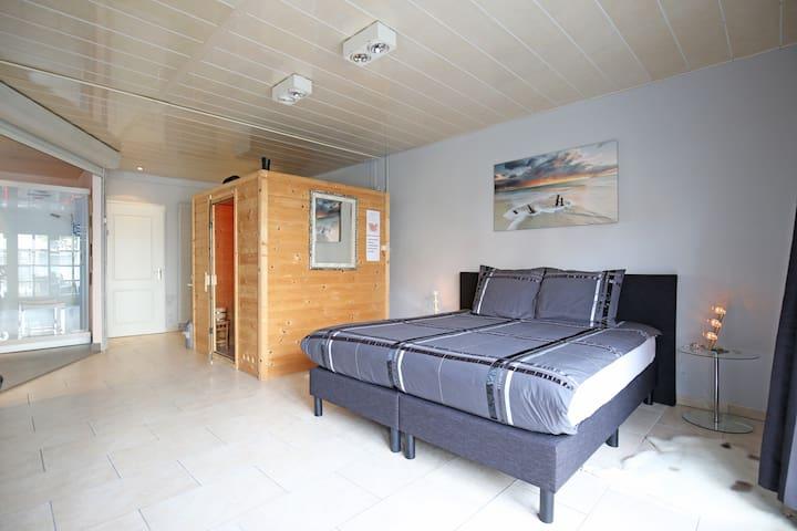 Kingsize bed 200x180