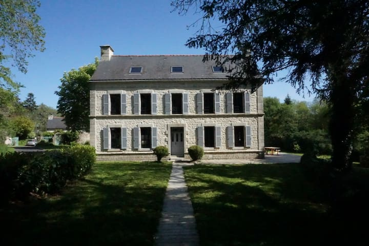 Spacieuse maison familiale en pleine verdure