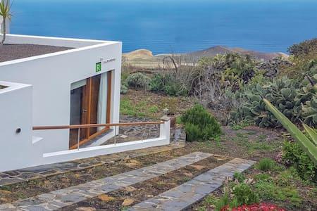 Holiday apartment with 1 bedroom on 59m² in Valverde, El Hierro