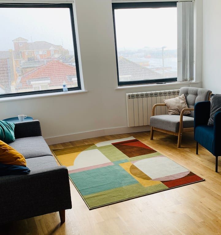 Flat with sea views and roof terrace nr Hove beach