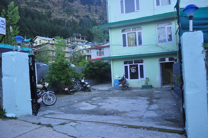 Neelas Home Stay