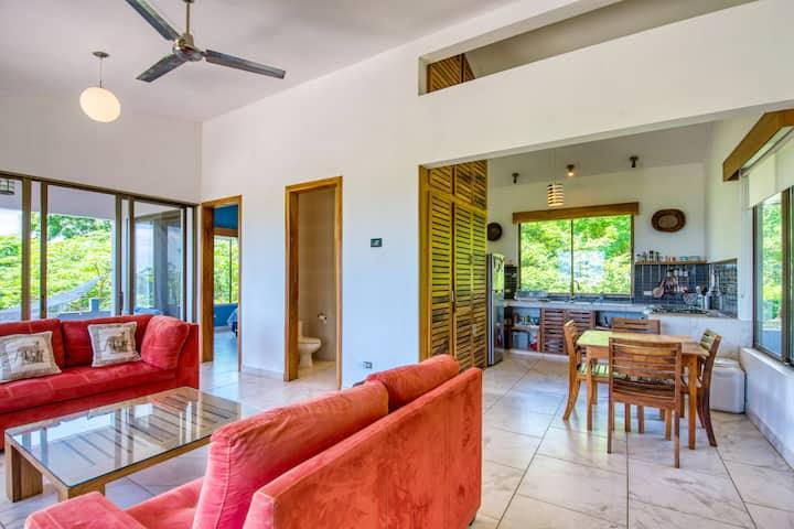 Ananda - Luxury Apartment_views, kitchen + WIFI!