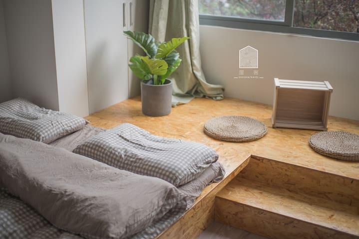 屋客•都市茶室,轻轨上观音桥九街畔的隐居生活。