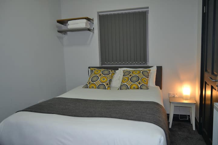 Manor House Hotel (Deluxe Double Room)