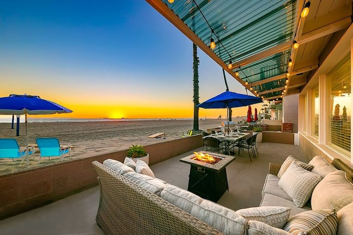Oceanfront Beach Cottage On the Sand + Unobstructed Views