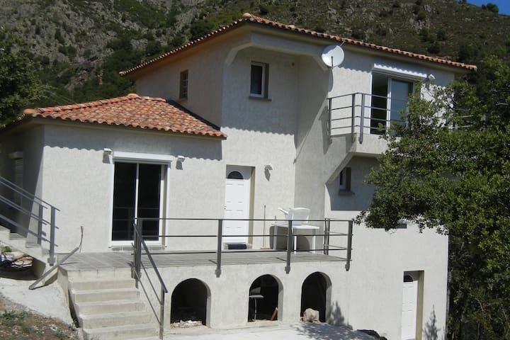 AU COEUR DE LA CORSE - Castiglione - Huis