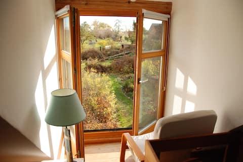 Sonniges Haus im Grünen mit Garten & Sauna