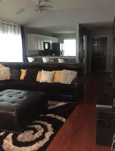 Modern 3 BD, 2 BR home 10 min from Super Bowl 2017 - Missouri City