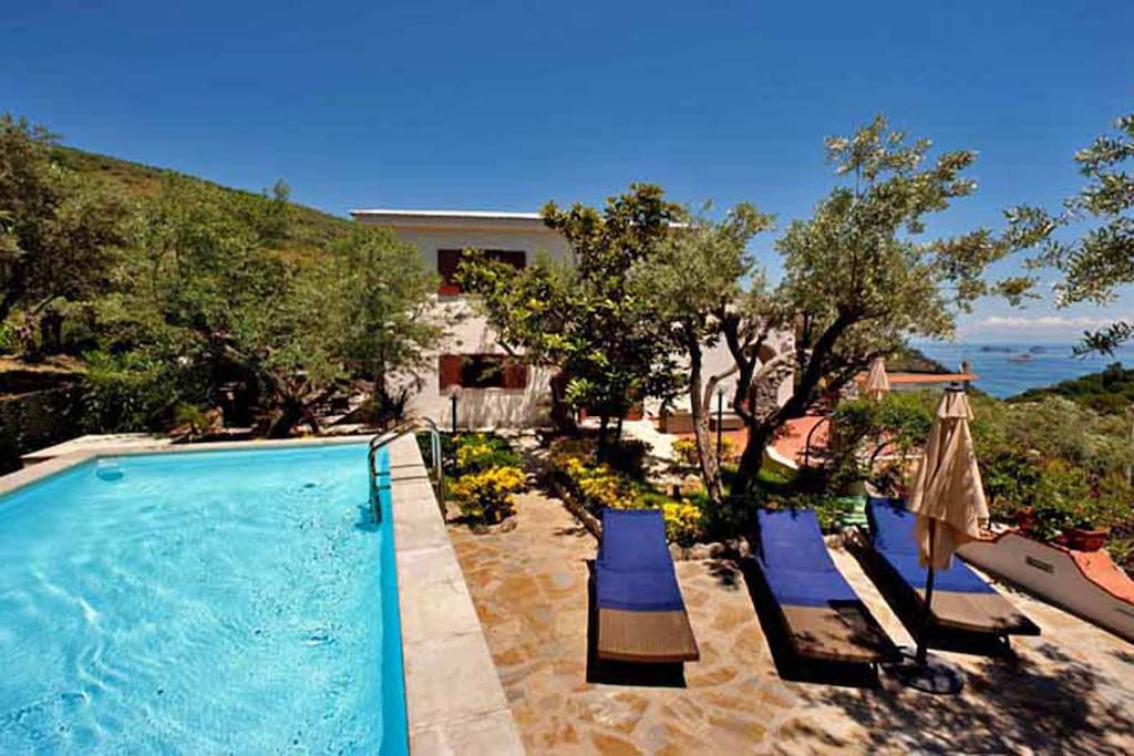02 Villa Sirena pool area