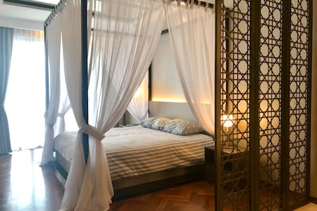 Magnificent Seaview Romantic Studio