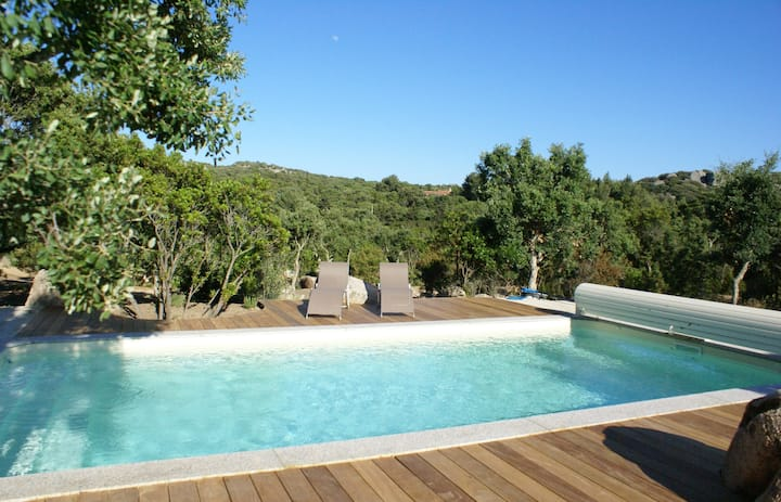 Gite privée&piscine, L'olivier, clim, mer, maquis