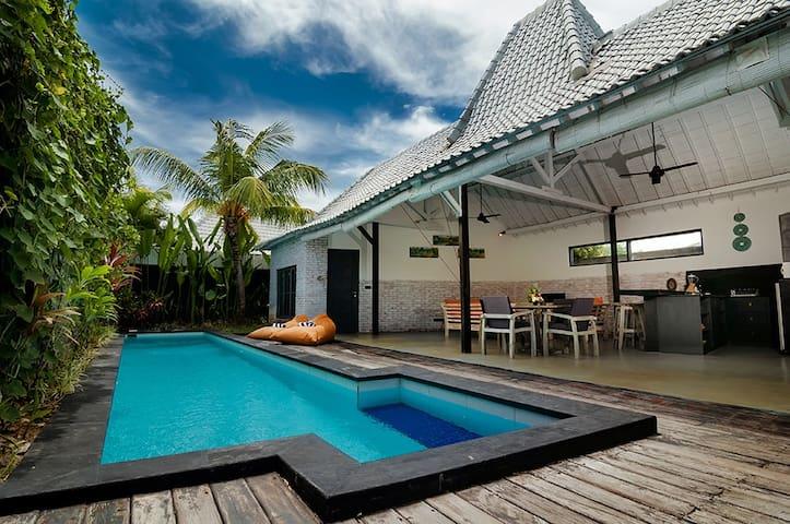 Villa Kazz 1 - pool walking distance beach surf - North Kuta - Villa