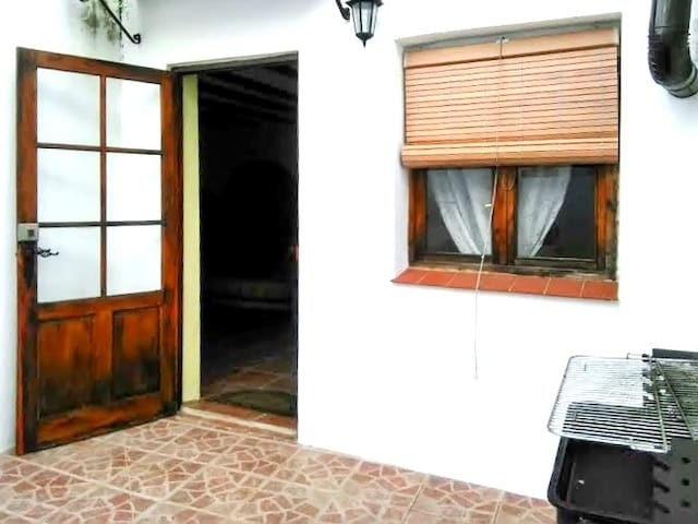 Spacious house w/ terrace and BBQ - Valdezufre (Aracena) - Rumah