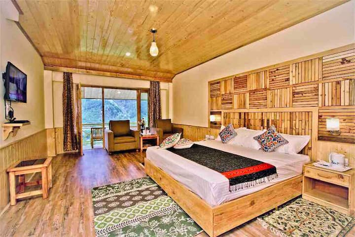 Elite & Exclusive Queen Room with Panoramic View