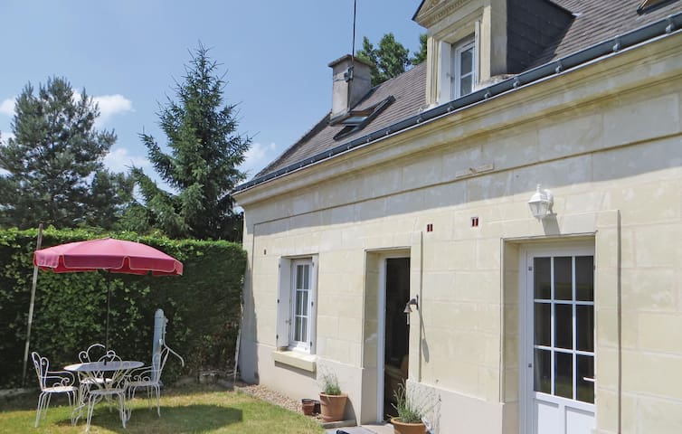 Holiday cottage with 3 bedrooms on 106 m² in La Chapelle aux Naux