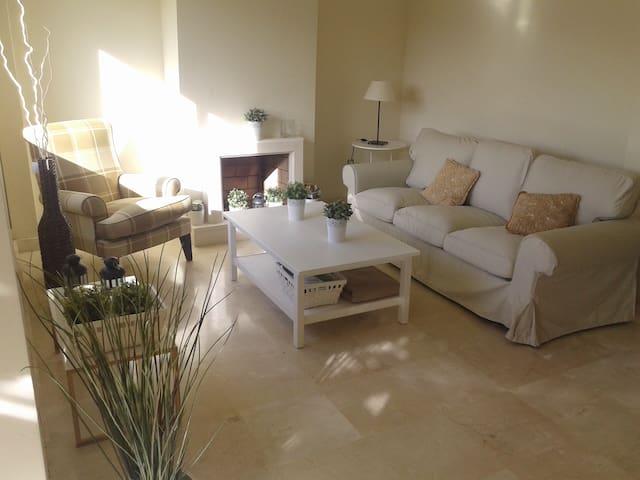 Luminoso adosado artola-cabopino - Marbella - House