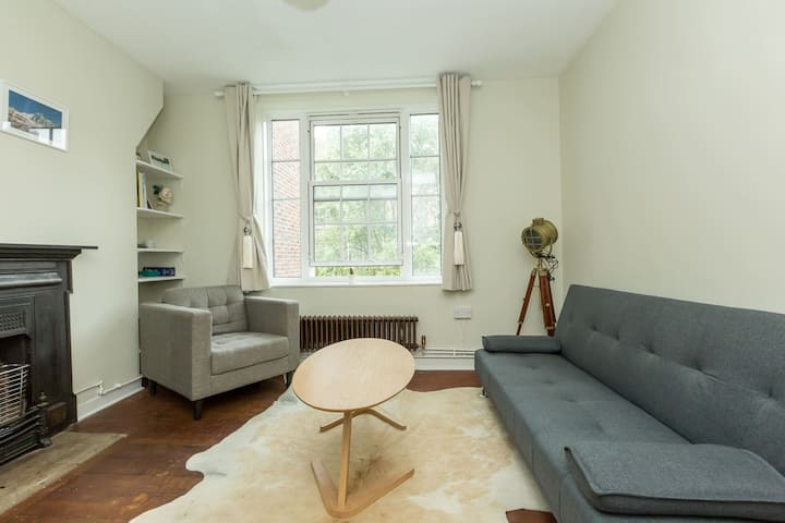 Select by MPH - Fantastic 2BR in Waterloo