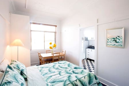 BONDI BEACH STUDIO: simple,clean, comfy, near sea! - Bondi Beach
