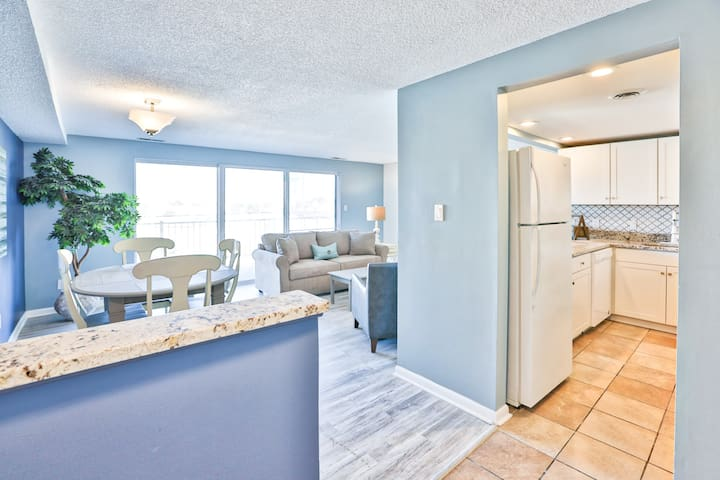 Renovated Oceanside Condo w / Pool - Ocean City - Apartment