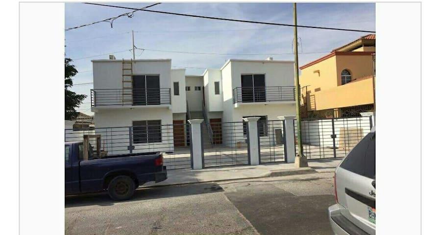 Casa/dept completo super ubicado - Mexicali - Apartment